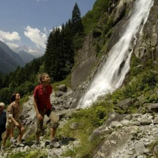 Wandern wo die Natur den Menschen küsst – Im Trentino trifft hochalpine Schönheit auf italienische Lebensart