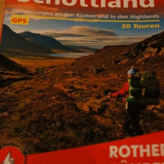 Rother Wanderführer Schottland – Blick ins Buch beim Schottland Wanderführer