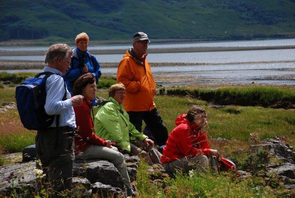 Wanderer am Loch Lomond, Schottland Foto: Wikinger Reisen