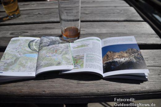 Links Kompass - rechts Bergverlag Rother