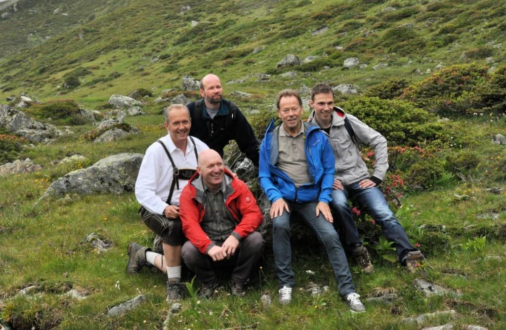 Tauschten die Kochlöffel gegen Wanderschuhe (v.l.): Martin Sieberer, Alfio Ghezzi, Russel Brown, Dieter Müller und Giovani Oosters.  Foto: TVB Paznaun - Ischgl