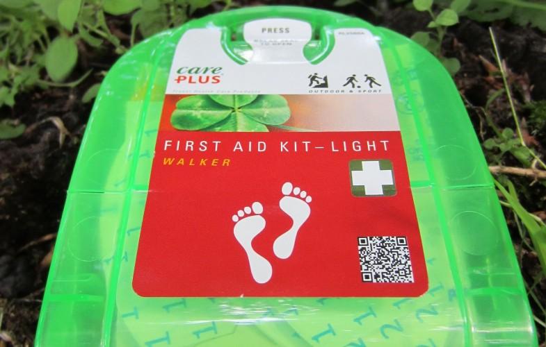 Care Plus® First Aid Kit Light Walker – Das leichte Erste Hilfe für Tagestouren im Praxistest