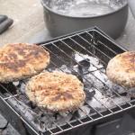 Selbst gemachtes Brot statt Essen in Pulverform