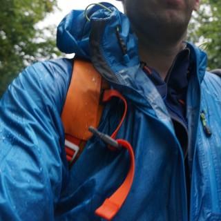 Outdoor Research Helium HD Jacket – Leichte Hardshelljacke zum Wandern im Praxistest