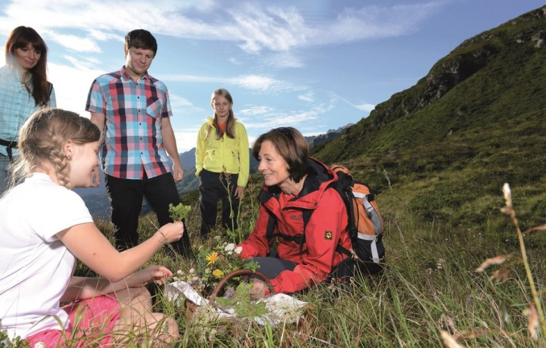 Erlebnisbericht zur Kräuterwanderung mit Verköstigung in der Silvretta Montafon
